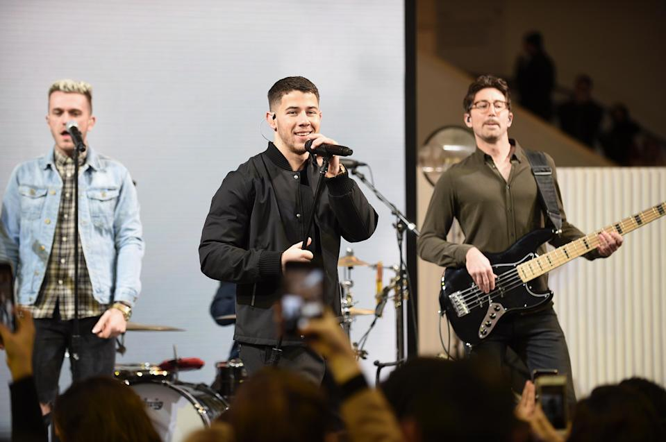 On Wednesday, Nick Jonas gave a surprise concert at the Chase Pay Village within the Oculus at Westfield World Trade Center in NYC. (Photo: Courtesy of Chase Pay Village)