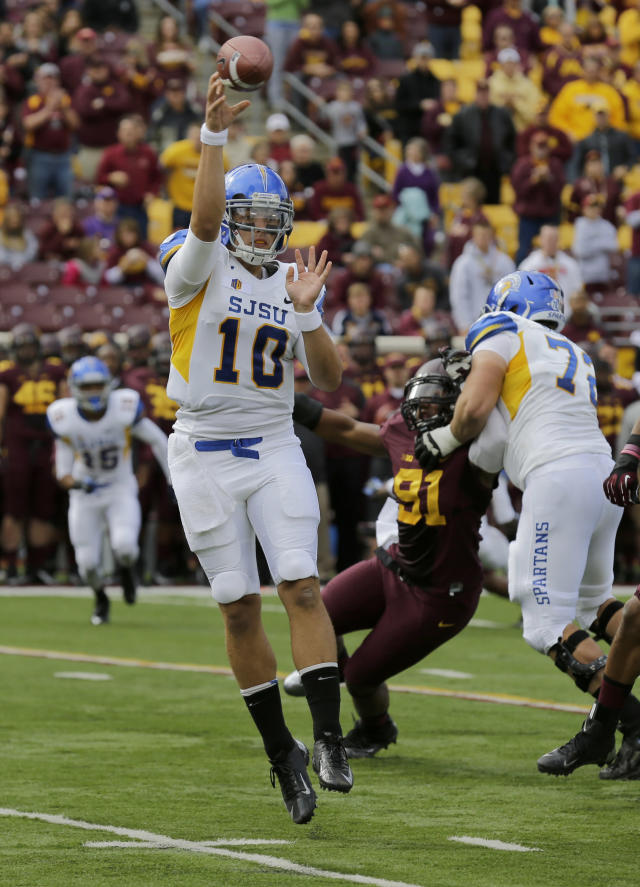 San Jose State quarterback David Fales (10) throws a pass during the first quarter of an NCAA college football game against Minnesota in Minneapolis, Saturday, Sept. 21, 2013. (AP Photo/Ann Heisenfelt)