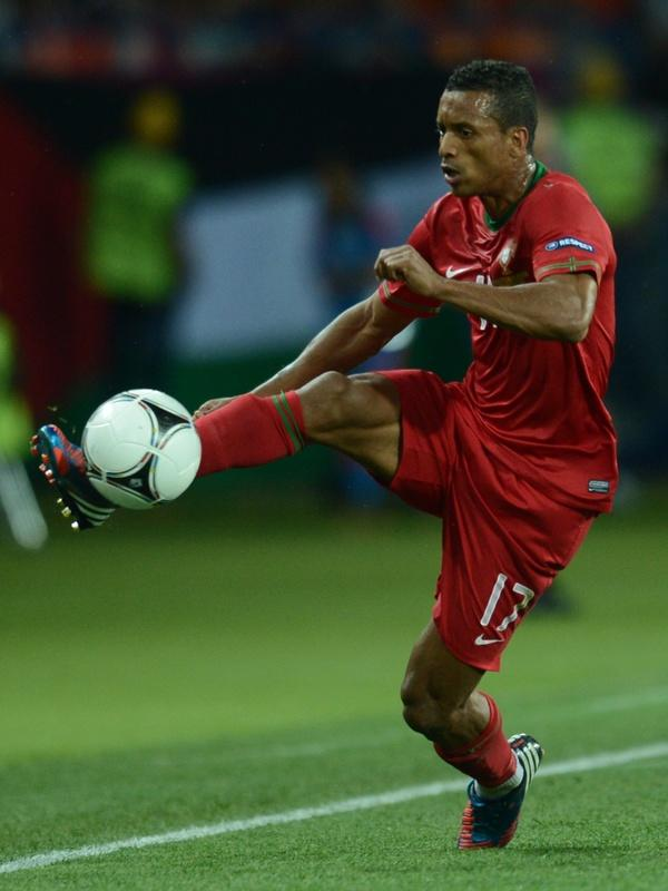 Portuguese midfielder Nani controls the ball during the Euro 2012 football championships match Portugal vs. Netherlands, on June 17, 2012 at the Metalist stadium in Kharkiv. Portugal won 2 to 1.        AFP PHOTO / FRANCISCO LEONGFRANCISCO LEONG/AFP/GettyImages