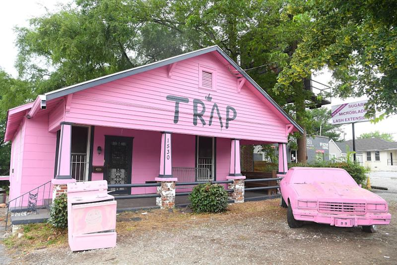 """Rapper 2 Chainz just turned his pink """"trap house"""" into an HIV testing clinic"""
