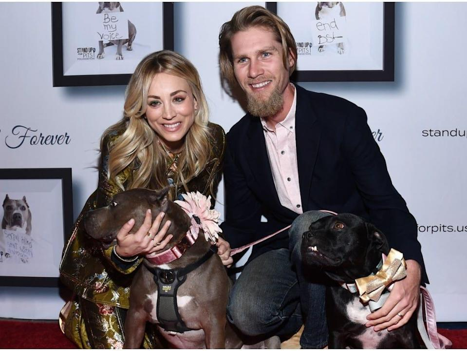 Kaley Cuoco Karl Cook dogs 2