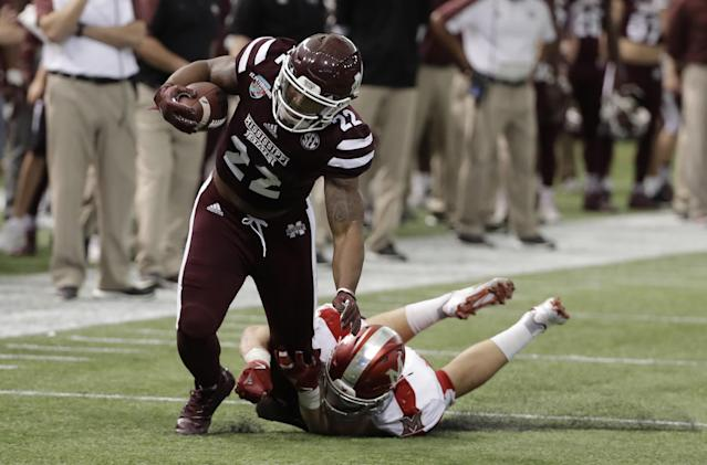 "<a class=""link rapid-noclick-resp"" href=""/ncaaf/players/252074/"" data-ylk=""slk:Malik Dear"">Malik Dear</a> (22) was Mississippi State's third-leading receiver in 2016. (AP Photo/Chris O'Meara)"