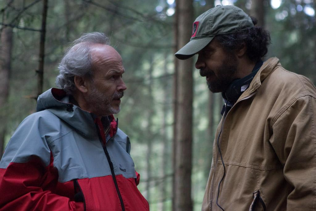 """Producer <a href=""""http://movies.yahoo.com/movie/contributor/1800025634"""">Pieter Jan Brugge</a> and director <a href=""""http://movies.yahoo.com/movie/contributor/1800012192"""">Edward Zwick</a> on the set of Paramount Vantage's <a href=""""http://movies.yahoo.com/movie/1809981989/info"""">Defiance</a> - 2008"""