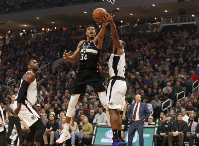 "The Bucks looked dominant even with <a class=""link rapid-noclick-resp"" href=""/nba/players/5185/"" data-ylk=""slk:Giannis Antetokounmpo"">Giannis Antetokounmpo</a> on the bench. (Jeff Hanisch-USA TODAY Sports)"