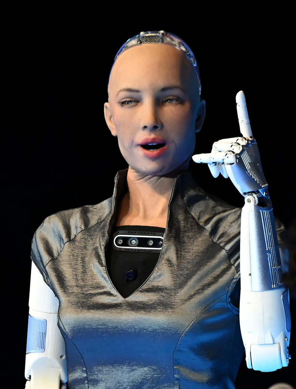 """Sophia the Robot delivers a speech at the National Auditorium in the framework of the """"Mexico siglo XXI"""" (Mexico XXI Century) forum organized by the Telmex foundation, owned by Mexican tycoon Carlos Slim, in Mexico City, on September 6, 2019. (Photo by ALFREDO ESTRELLA / AFP) (Photo by ALFREDO ESTRELLA/AFP via Getty Images)"""