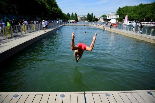 Pioneering Paris canal swimming spot closed due to pollution