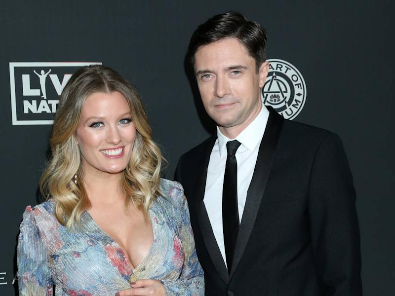 Topher Grace to be a dad of two