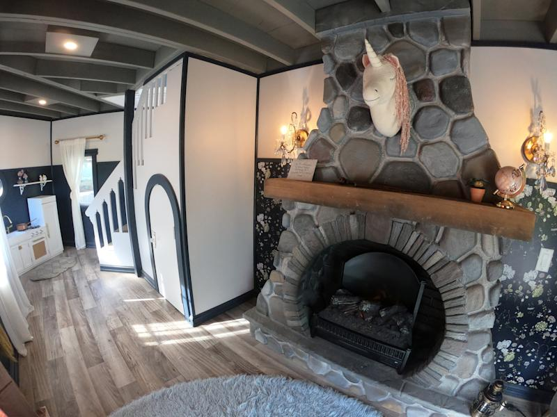 The playhouse even features a fully-functioning fireplace [Photo: SWNS]