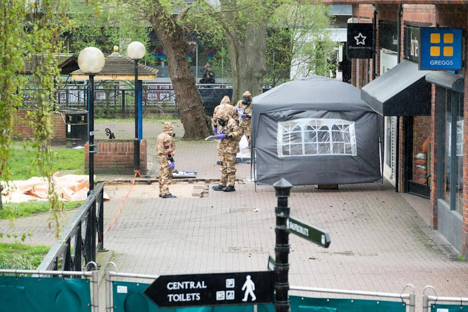 Members of the military work to decontaminate the scene of the poisoning in Salisbury last month. (Getty)