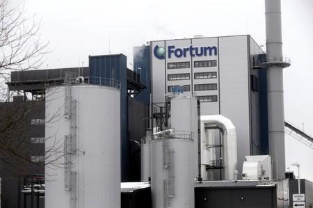 Uniper says needs more answers from suitor Fortum