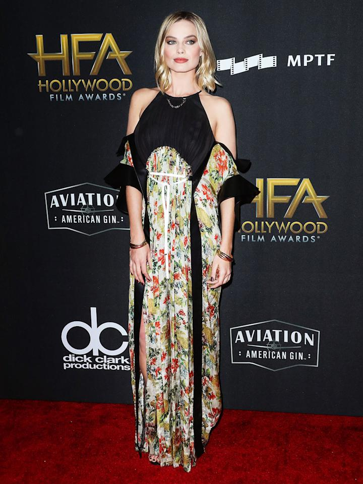 <h2>In Louis Vuitton</h2>                                                                                                                                                                             <p><p>At the 21st Annual Hollywood Film Awards, Los Angeles, 2017</p>                                                                                                                                                                               <h4>Splash News</h4>