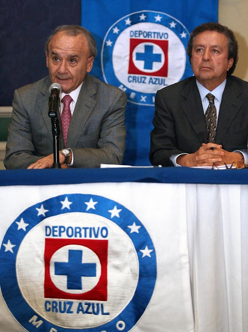 Mexico City, MEXICO: Guillermo Alvarez (L) and Victor Garces, executives of the Mexican football club Cruz Azul, offer a press conference in Mexico City, on May 18th, 2007, about footballer Jose Salvador Carmona Alvarez who has been banned for life by the Lausanne-based Court of Arbitration for Sport (CAS). The Mexican international who plays for Cruz Azul tested positive for anabolic steroid Stanozol on January 31 last year during a random test, CAS said on its internet site, one year after a one-year ban for using the same substance. AFP PHOTO/STRsaid (Photo credit should read STR/AFP/Getty Images)