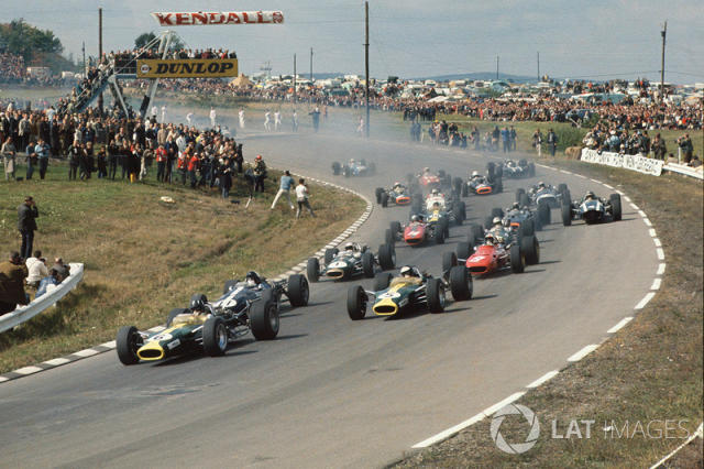 "Start: Graham Hill, Lotus 49 Ford, Dan Gurney, Eagle T1G Weslake, Jim Clark, Lotus 49 Ford, Chris Amon, Ferrari 312 <span class=""copyright"">LAT Images</span>"