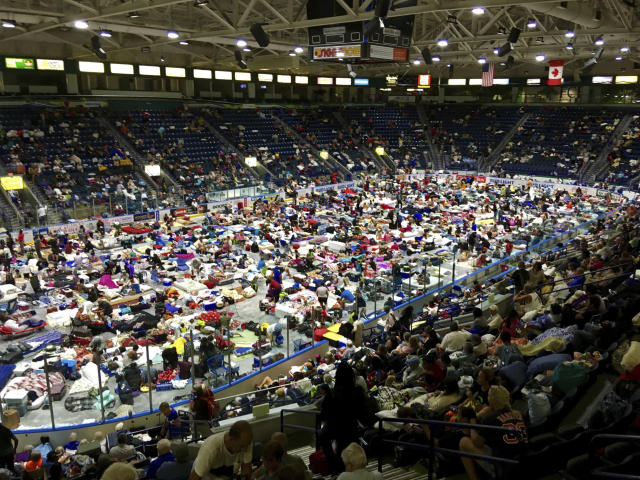 <p>Evacuees fill Germain Arena, which is being used as a fallout shelter, in advance of Hurricane Irma, in Estero, Fla., Saturday, Sept. 9, 2017. (Photo: Jay Reeves/AP) </p>