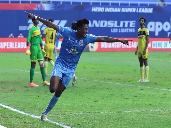 Mumbai City FC's Vignesh Dakshinamurthy celebrates after scoring his first ever ISL goal during match 34 of ISL 7 at the Tilak Maidan Stadium in Vasco on Sunday. (Photo/ ISL)