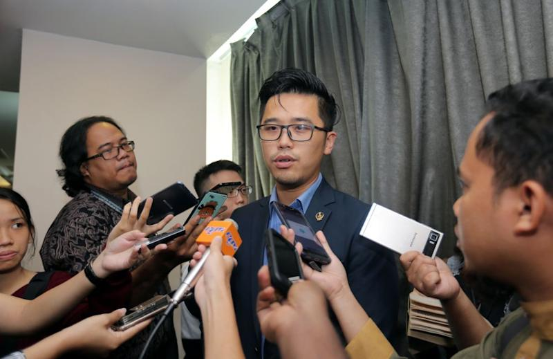 DAPSY chief Howard Lee says not only did Datuk Seri Najib Razak breach the GST Act 2014, the latter also sought to blame the matter on the 'tax holiday' before the repeal of the consumption tax last year. ― Picture by Farhan Najib