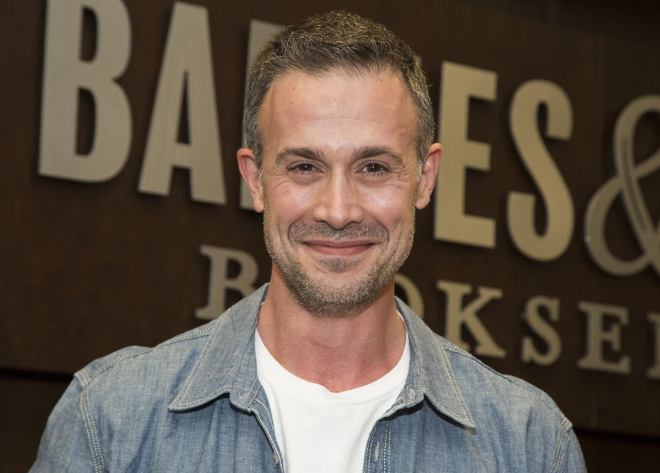"""LOS ANGELES, CA - JUNE 09:  Actor Freddie Prinze, Jr. signs his new book """"Back To The Kitchen"""" at Barnes & Noble at The Grove on June 9, 2016 in Los Angeles, California.  (Photo by Vincent Sandoval/Getty Images)"""