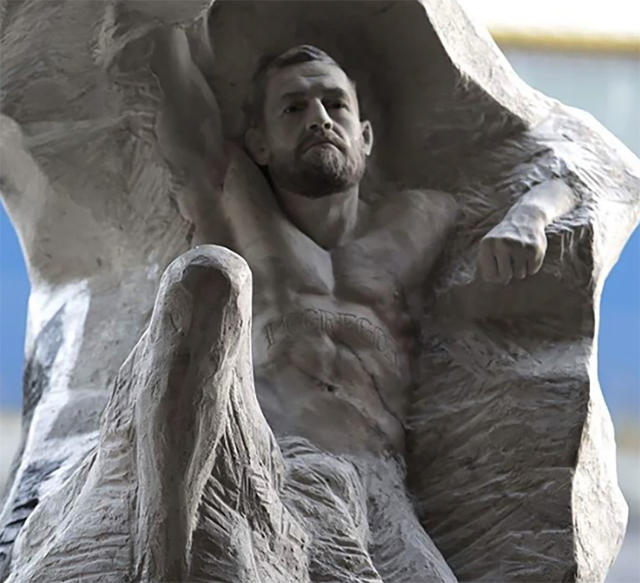 An artist created an insane life-sized statue of Conor McGregor worth more than $58,000 for the UFC fighter's birthday this month. (Instagram/@Aspencrow)