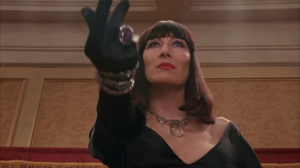 Anjelica Huston in Nic Roeg's The Witches. (Credit: Warner Bros)