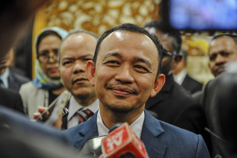 Opposition politicians said Maszlee's ruling hinders lawmakers from serving their respective constituencies efficiently. — Picture by Mukhriz Hazim