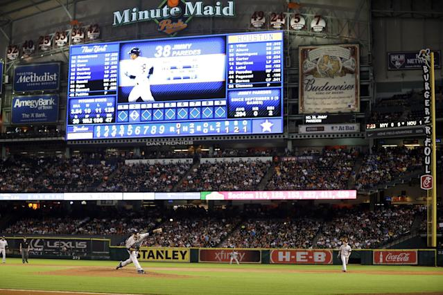 New York Yankees starting pitcher Andy Pettitte throws during the fifth inning of a baseball game against the Houston Astros Saturday, Sept. 28, 2013, in Houston. (AP Photo/David J. Phillip)