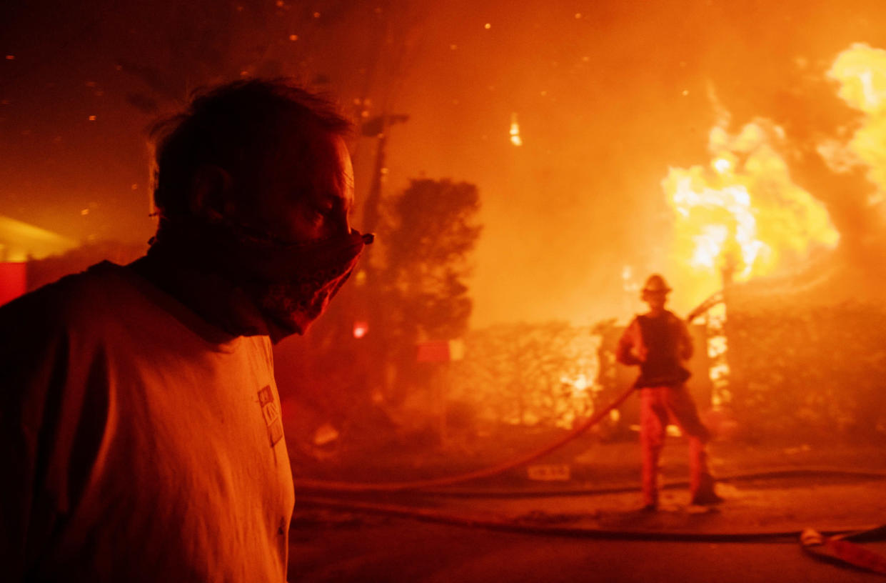 A scene from the Getty fire in Los Angeles. (Photo: Christian Monterrosa/AP)