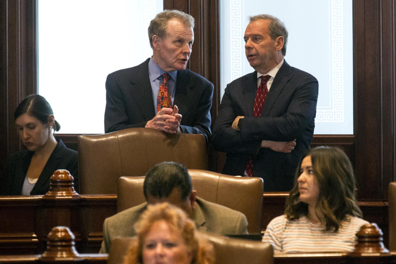 Illinois Senate nixes vetoes of budget plan with tax hike