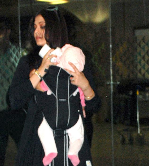 Spotted: Ash and Aaradhya at the airport