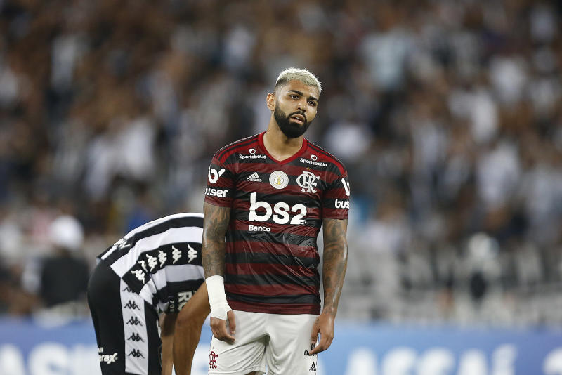RIO DE JANEIRO, BRAZIL - NOVEMBER 07: Gabriel Barbosa of Flamengo reacts during a match between Botafogo and Flamengo as part of Brasileirao Series A 2019 at Engenhao Stadium on November 7, 2019 in Rio de Janeiro, Brazil. (Photo by Wagner Meier/Getty Images)
