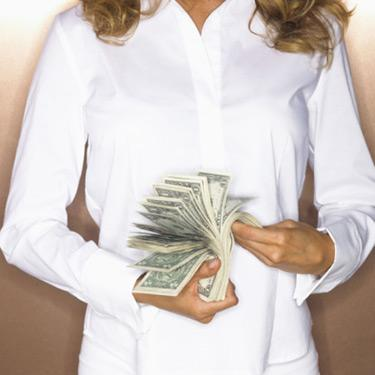 Woman-flipping-a-wad-of-money_web