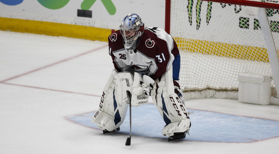Colorado Avalanche goalie Philipp Grubauer (31)