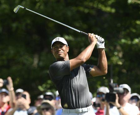Woods, Mickelson added to Ryder Cup team as wild-card selections