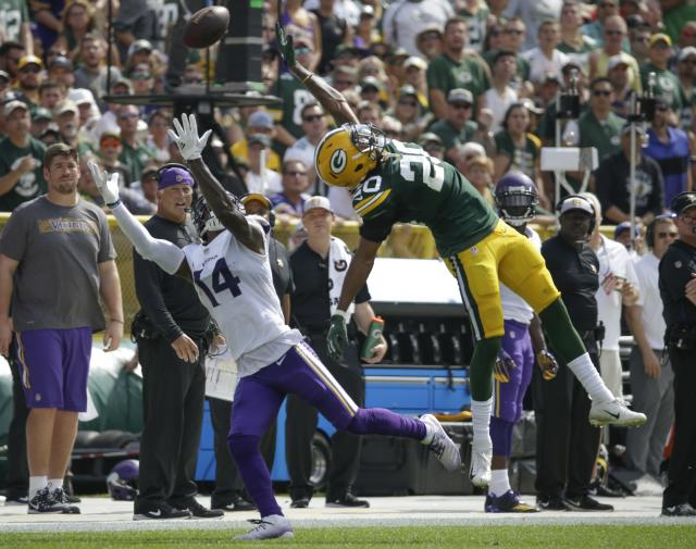 <p>Minnesota Vikings' Stefon Diggs can't catch a pass in front of Green Bay Packers' Kevin King during the first half of an NFL football game Sunday, Sept. 16, 2018, in Green Bay, Wis. (AP Photo/Mike Roemer) </p>