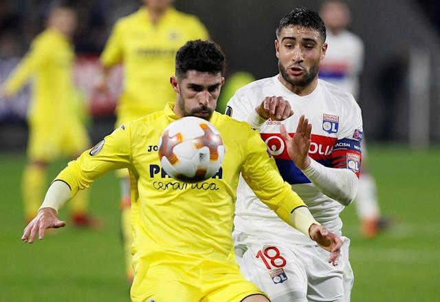 Soccer Football - Europa League Round of 32 First Leg - Olympique Lyonnais vs Villarreal - Groupama Stadium, Lyon, France - February 15, 2018 Villarreal's Alvaro Gonzalez in action with Lyon's Nabil Fekir REUTERS/Emmanuel Foudrot