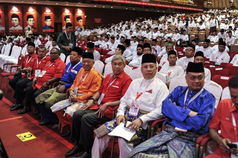Umno president Datuk Seri Ahmad Zahid Hamidi (first row 4th right) and fellow Umno leaders attends the Umno Youth Wing Assembly at the Putra World Trade Centre in Kuala Lumpur December 5, 2019. — Picture by Shafwan Zaidon