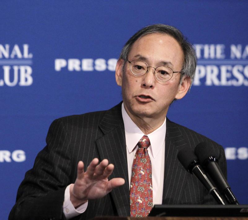 FILE - In this Nov. 29, 2010 file photo, Energy Secretary Steven Chu gives a speech at the National Press Club in Washington. Top officials at the White House circulated a plan calling for the ouster of Energy Secretary Steven Chu and other top Energy Department officials as the administration braced for a political storm brewing over the failing solar energy company Solyndra.  (AP Photo/Charles Dharapak, File)