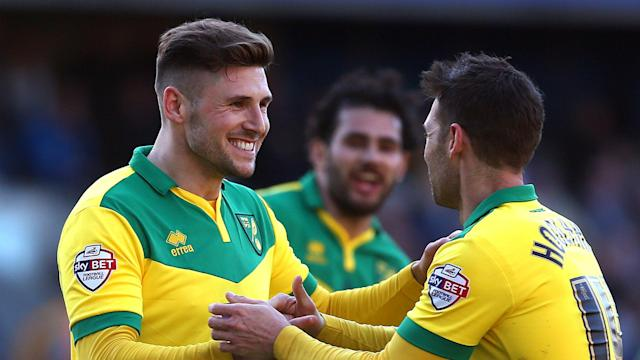 Wellington Phoenix have signed former Norwich City, Celtic and Sheffield Wednesday striker Gary Hooper as their marquee player in 2019-20.