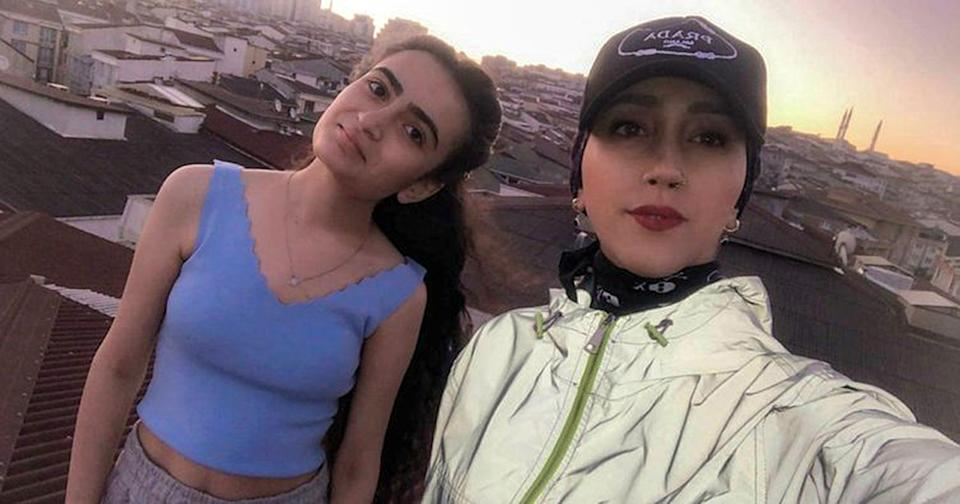 Kubra Dogan, 23, (right) who fell to her death after the panel on the roof broke while shooting a TikTok video in Istanbul, Turkey on 20th August 2021, together with her cousin Helen M. Source: Newsflash/Australscope