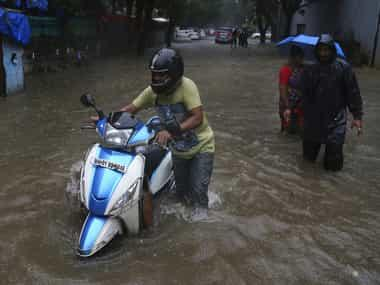 Heavy rainfall in Mumbai causes traffic snarls, waterlogging in many parts; Skymet predicts downpour to continue for next four-six hours