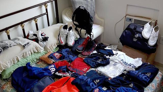 Team France also outfitted Vitor Galvani's club players with uniforms. (Facebook)