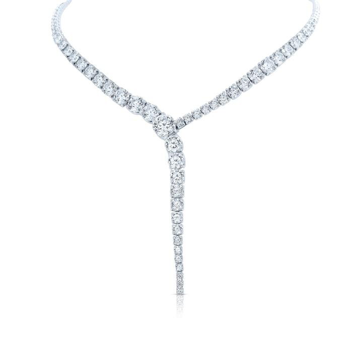 "During the shutdown, a Roberto Coin client had a $1.5-million budget for an anniversary gift for his wife. The jewelry label sent this 120-carat diamond necklace. <span class=""copyright"">(Roberto Coin)</span>"