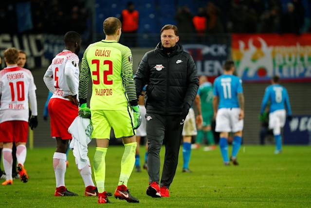 Soccer Football - Europa League Round of 32 Second Leg - RB Leipzig vs Napoli - Red Bull Arena, Leipzig, Germany - February 22, 2018 RB Leipzig coach Ralph Hasenhuettl with Peter Gulacsi at the end of the match REUTERS/Fabrizio Bensch
