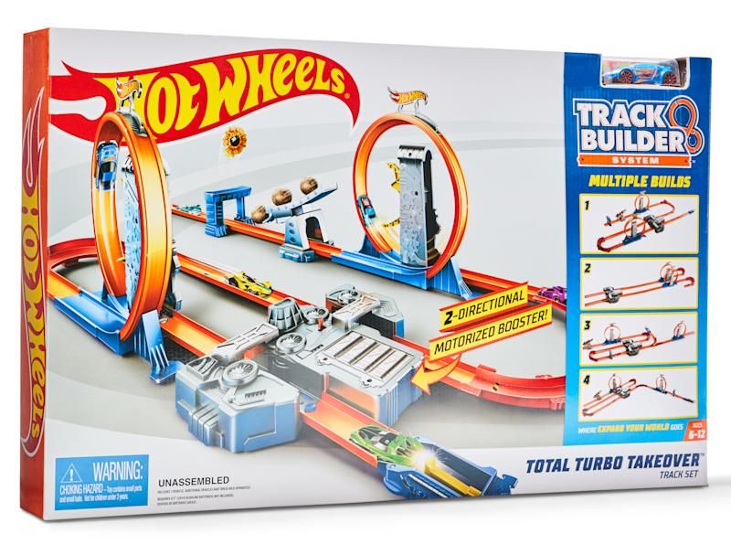 Hot Wheels track builder total turbo take over play set