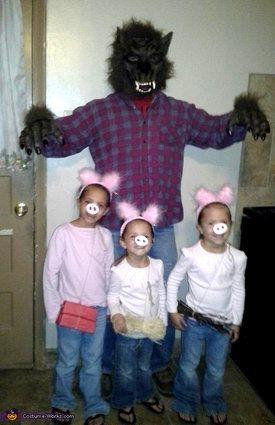 "Vía <a href=""http://www.costume-works.com/three_little_pigs_and_big_bad.html"" target=""_blank"">Costume-Works.com</a>"