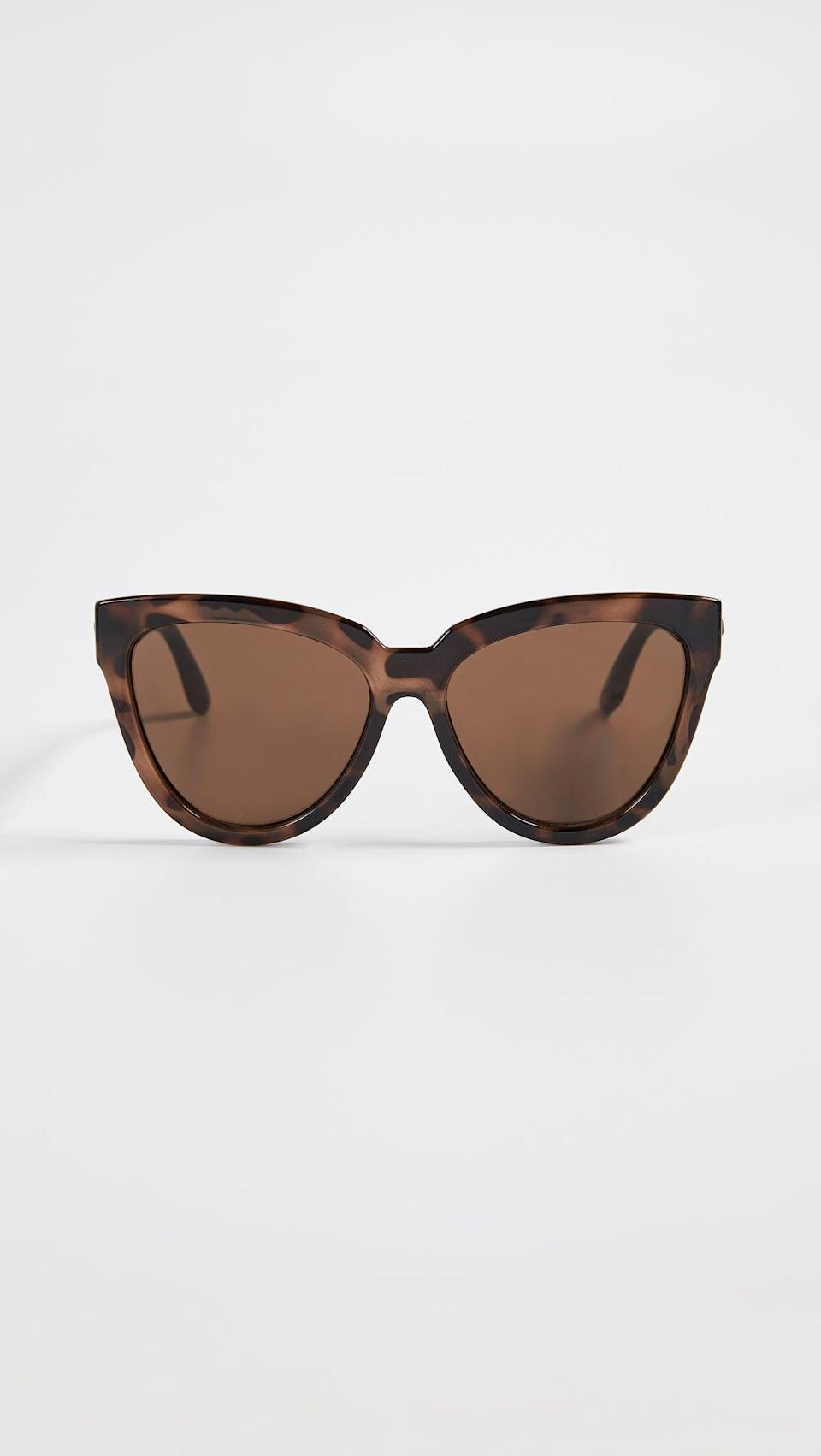 """<p><strong>Le Specs</strong></p><p>shopbop.com</p><p><strong>$59.00</strong></p><p><a href=""""https://go.redirectingat.com?id=74968X1596630&url=https%3A%2F%2Fwww.shopbop.com%2Fliar-sunglasses-le-specs%2Fvp%2Fv%3D1%2F1546489300.htm&sref=https%3A%2F%2Fwww.cosmopolitan.com%2Fstyle-beauty%2Ffashion%2Fg13602855%2Fbest-gift-ideas-for-women%2F"""" rel=""""nofollow noopener"""" target=""""_blank"""" data-ylk=""""slk:Shop Now"""" class=""""link rapid-noclick-resp"""">Shop Now</a></p><p>A pair of trendy Le Specs sunglasses is sure to be a hit. These bold frames accentuate the retro allure of full-coverage sunnies without feeling heavy.</p>"""