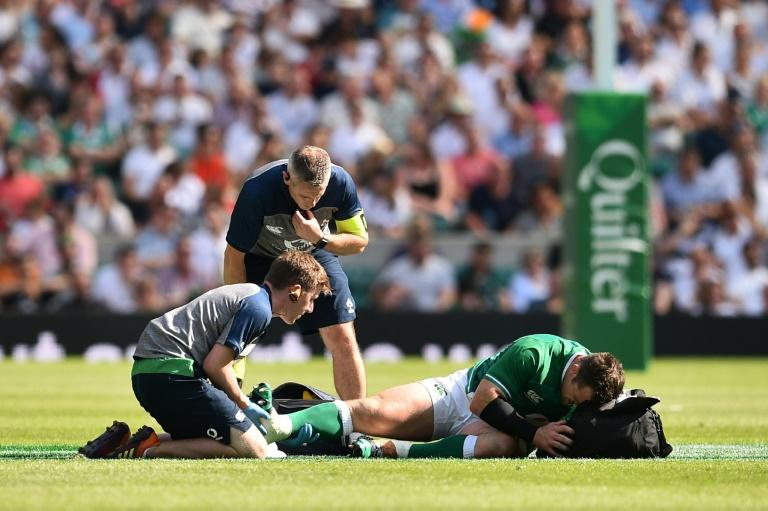 Veteran Ireland prop Cian Healy left the field with an injury