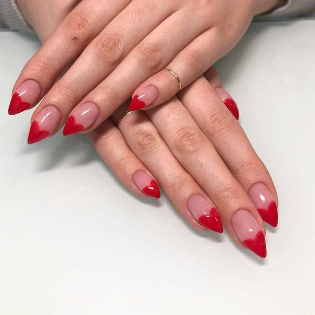 "<p>I can practically hear Kylie Jenner copying these claws as we speak.</p><p><a href=""https://www.instagram.com/p/BpMldGolpxS/?utm_source=ig_embed&utm_campaign=loading"" rel=""nofollow noopener"" target=""_blank"" data-ylk=""slk:See the original post on Instagram"" class=""link rapid-noclick-resp"">See the original post on Instagram</a></p>"