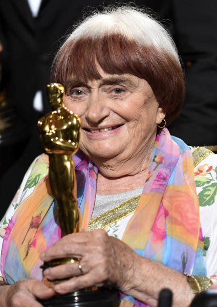 French film director Agnes Varda holds her honorary Oscar following the 2017 Governors Awards ceremony at The Ray Dolby Ballroom on Saturday, Nov. 11, 2017, in Los Angeles. (Photo by Chris Pizzello/Invision/AP)