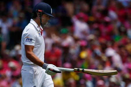 England's captain Alastair Cook reacts as he walks off the field after his dismissal by Australia's Mitchell Johnson during the third day of the fifth Ashes cricket test at the Sydney cricket ground January 5, 2014. REUTERS/David Gray