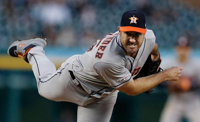 "Should you sell <a class=""link rapid-noclick-resp"" href=""/mlb/players/7590/"" data-ylk=""slk:Verlander"">Verlander</a> for a king's ransom? (AP Photo/Carlos Osorio)"